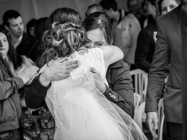 Le mariage de Julien et Wessalie à Saint-Martin-la-Plaine, Loire 30