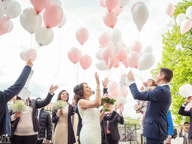 Le mariage de Julien et Wessalie à Saint-Martin-la-Plaine, Loire 33