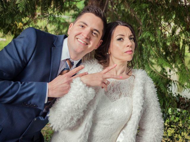 Le mariage de Julien et Wessalie à Saint-Martin-la-Plaine, Loire 38