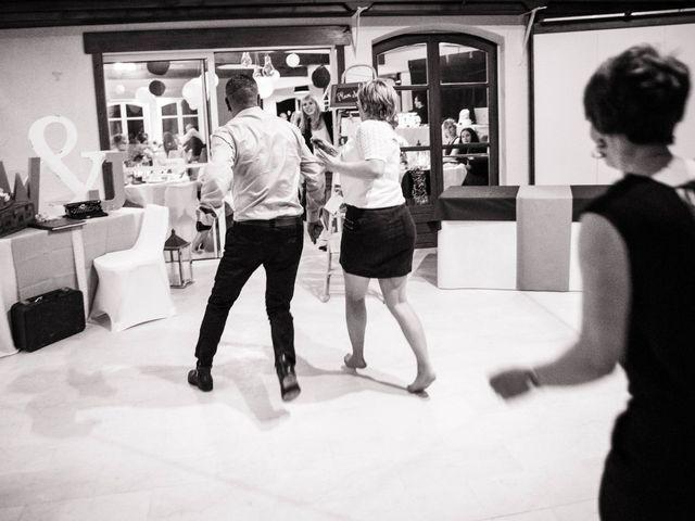Le mariage de Julien et Wessalie à Saint-Martin-la-Plaine, Loire 52