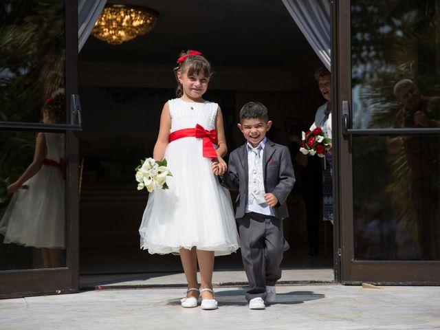 Le mariage de Sébastien et Véronique à Saint-Laurent-du-Var, Alpes-Maritimes 14