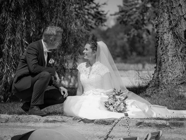 Le mariage de Nicolas et Elodie à Mozac, Puy-de-Dôme 11