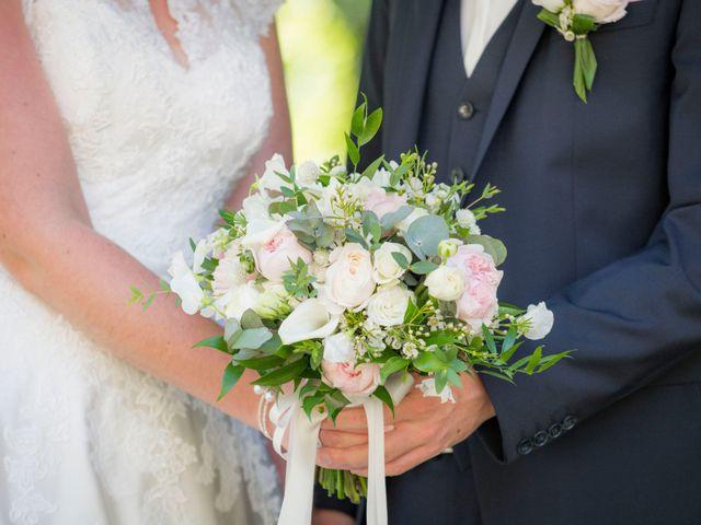 Le mariage de Nicolas et Elodie à Mozac, Puy-de-Dôme 15