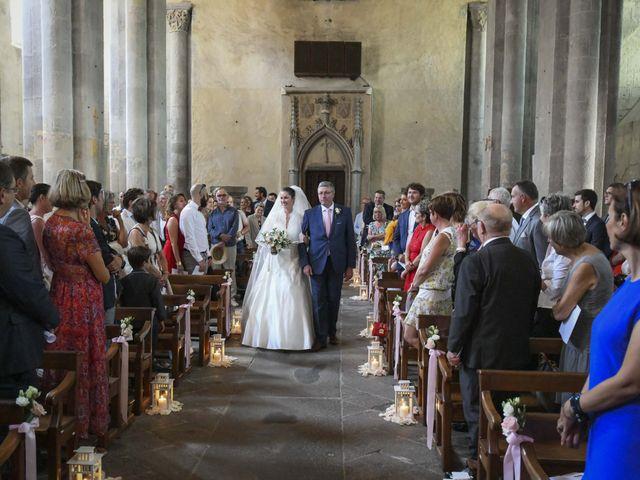 Le mariage de Nicolas et Elodie à Mozac, Puy-de-Dôme 31