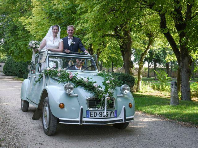 Le mariage de Nicolas et Elodie à Mozac, Puy-de-Dôme 33