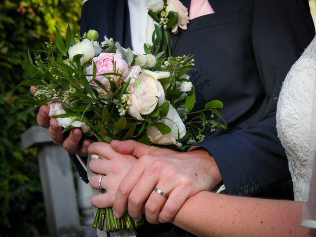 Le mariage de Nicolas et Elodie à Mozac, Puy-de-Dôme 36