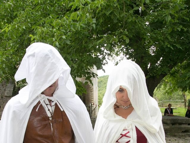 Le mariage de Cyril et Elise à Montbard, Côte d'Or 14