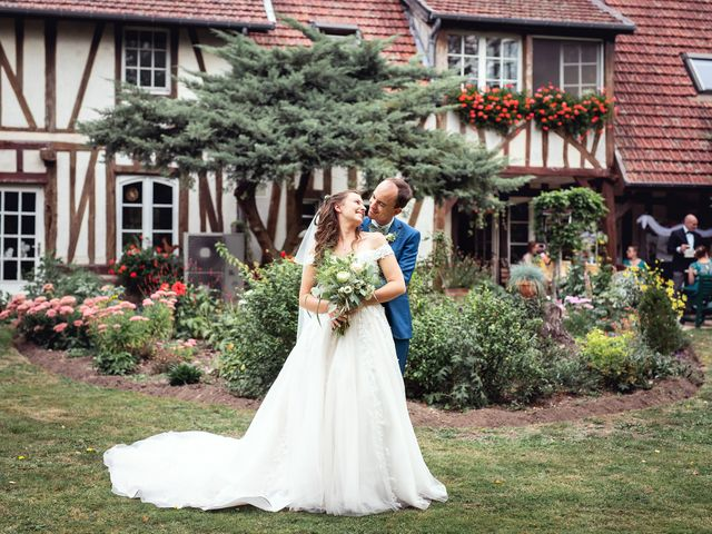 Le mariage de Etienne et Melody à Saint-Ouen-de-Thouberville, Eure 35
