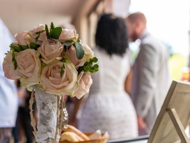 Le mariage de Pierre et Sarah à Bergues, Nord 4