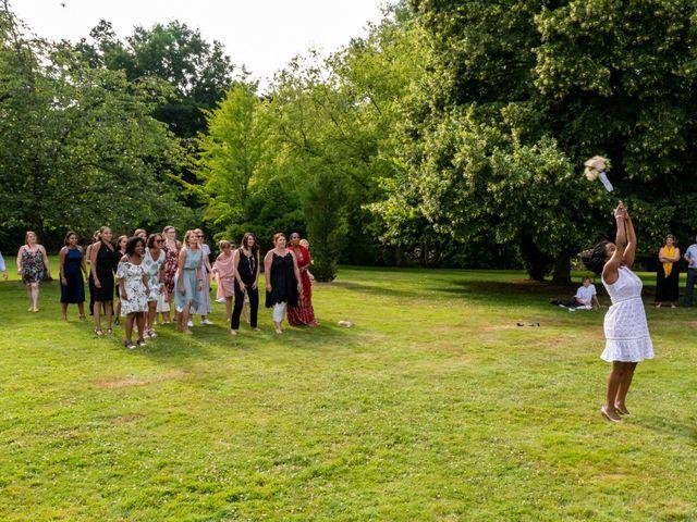 Le mariage de Pierre et Sarah à Bergues, Nord 9
