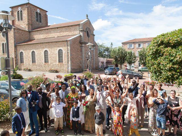Le mariage de Alex et Elodie à Coise, Rhône 16