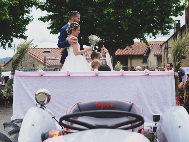 Le mariage de Christophe et Virginie à Chassagny, Rhône 15