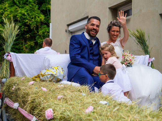 Le mariage de Christophe et Virginie à Chassagny, Rhône 16