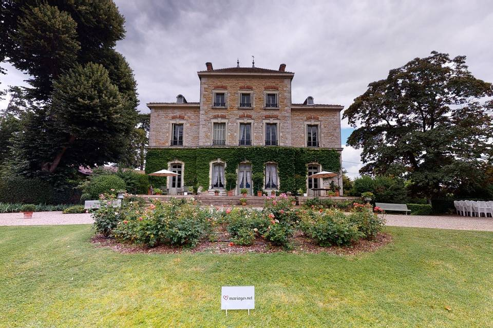 Château des Charmes 3d tour