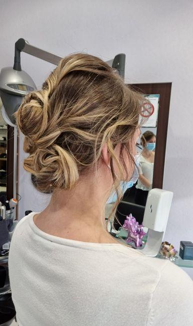 Essai coiffure : 1 ou 2 2