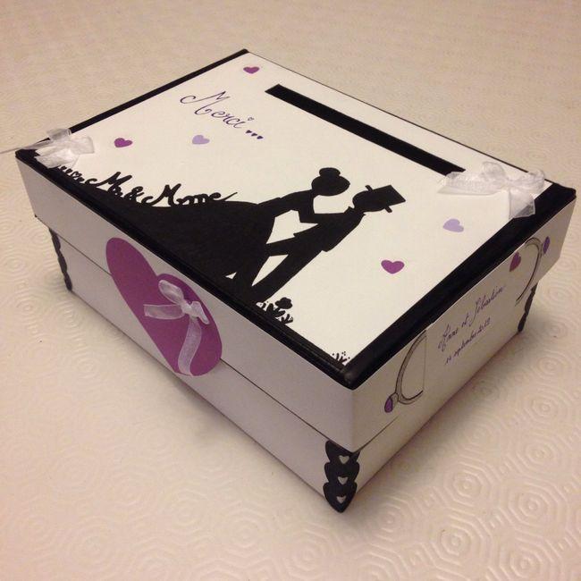2/3 bricoles thème blanc/noir/violet et papillons 4