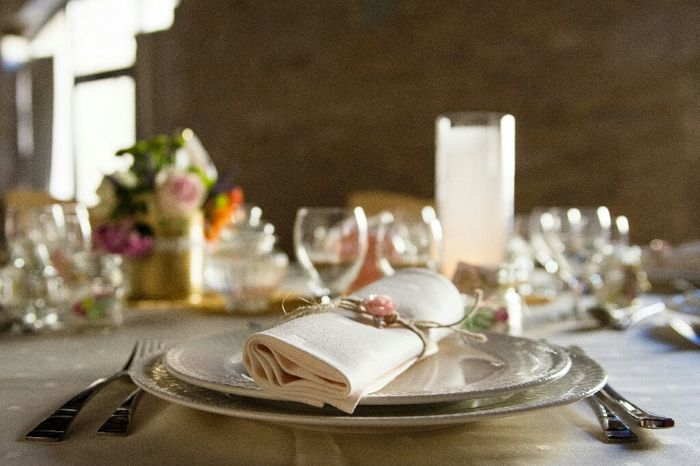 Table / couverts/ assiettes - 1