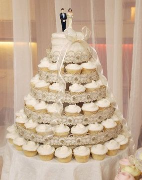 wedding cakes and cupcakes ideas pi 232 ce mont 233 e cup cake page 5 banquets forum mariages net 23790