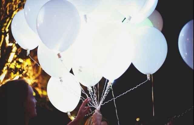 Lâcher de ballons lumineux