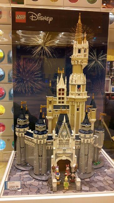 Un pari fou : confectionner la maquette du château disney - 1