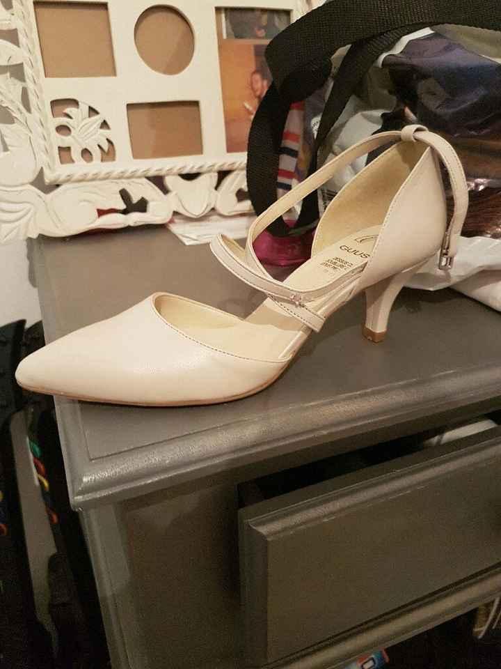 Besoin d'aide pour les chaussures! - 1