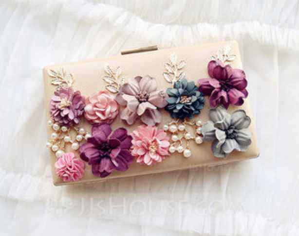pochette mariage fleurs