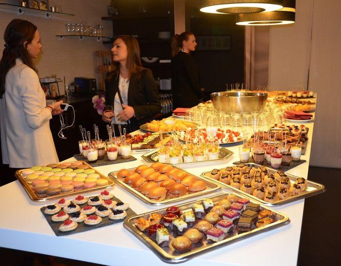 repas assis buffet coktail d natoire banquets forum. Black Bedroom Furniture Sets. Home Design Ideas