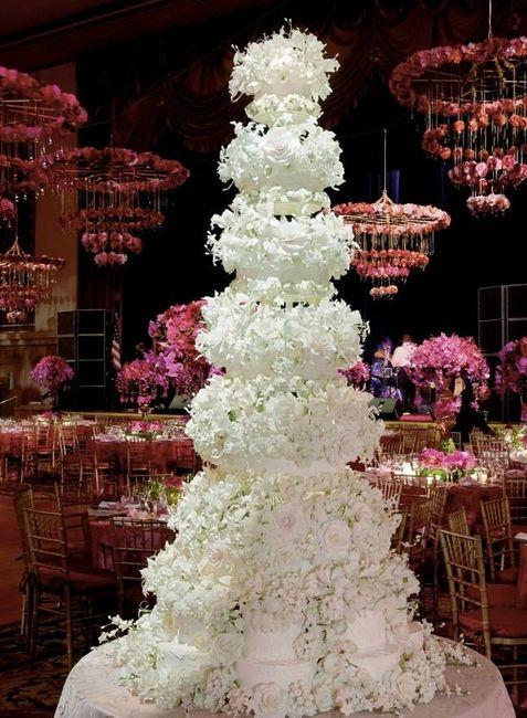 Wedding cake géant <img class=