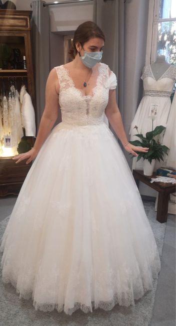 Une robe pour une mariée qui a des formes - 1