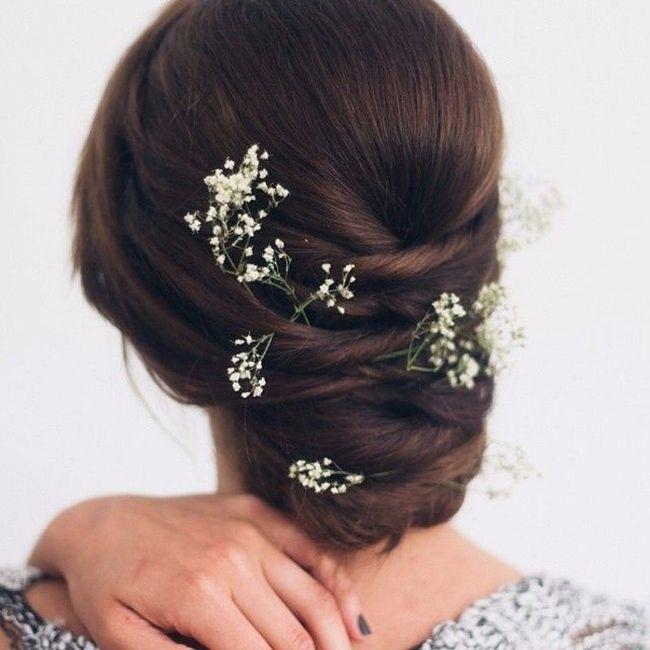 inspiration mari e avec fleurs dans les cheveux beaut forum. Black Bedroom Furniture Sets. Home Design Ideas