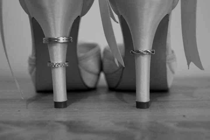 alliance bague de fiançailles chaussures de mariée