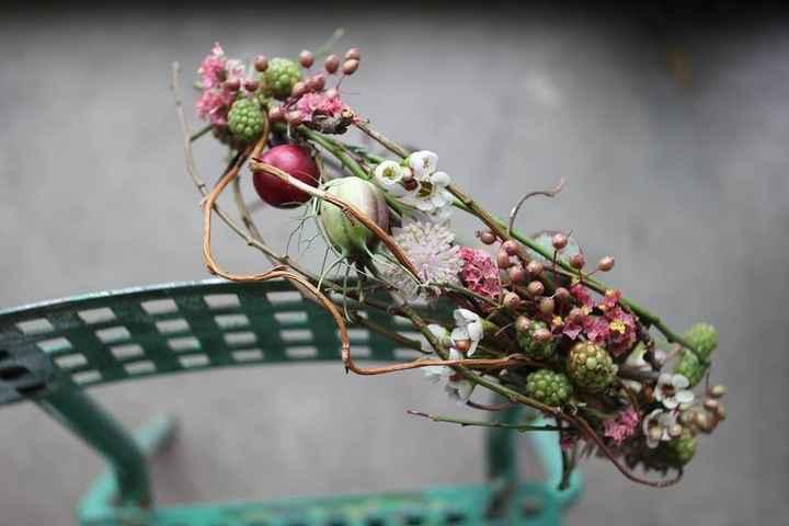 couronne fleurie fruitée