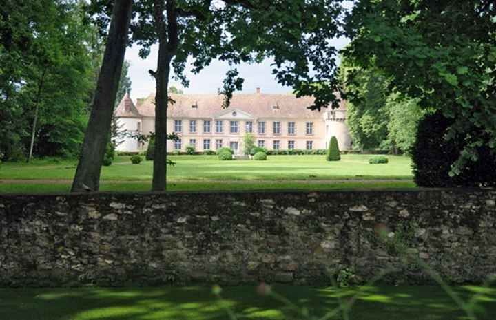Chateau de la cour Senlisse