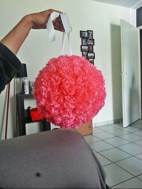 tuto boules fleur en papier de soie de caroline d coration forum. Black Bedroom Furniture Sets. Home Design Ideas