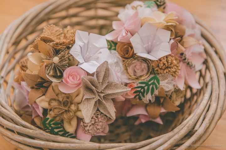 Bouquets de fleurs en papier & tissu - 1