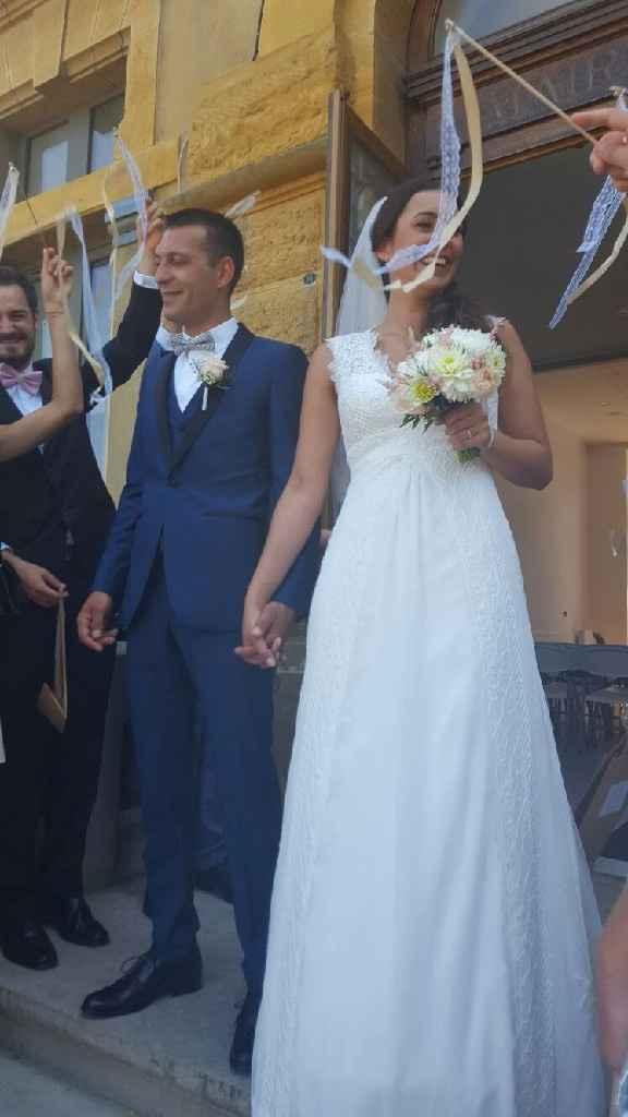 Retour des mariés sur leurs baguettes rubans - 1