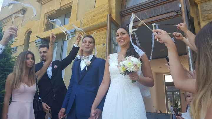 Retour des mariés sur leurs baguettes rubans - 2