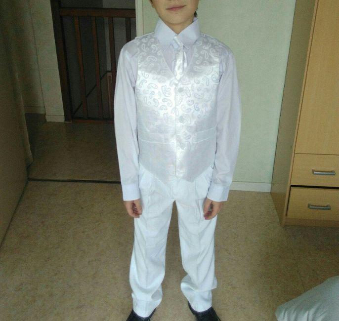 Recherche costume garçon (14/16 ans) 1
