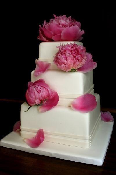... à paris qui fait des gâteaux de mariage de rêve voyez plutôt
