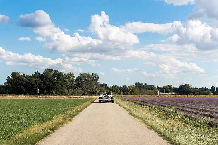 on the road (cecile creiche photography)