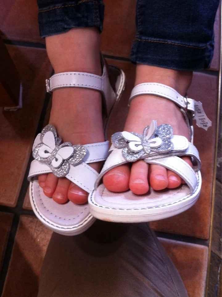 Chaussures pour les filles trouvées! - 1