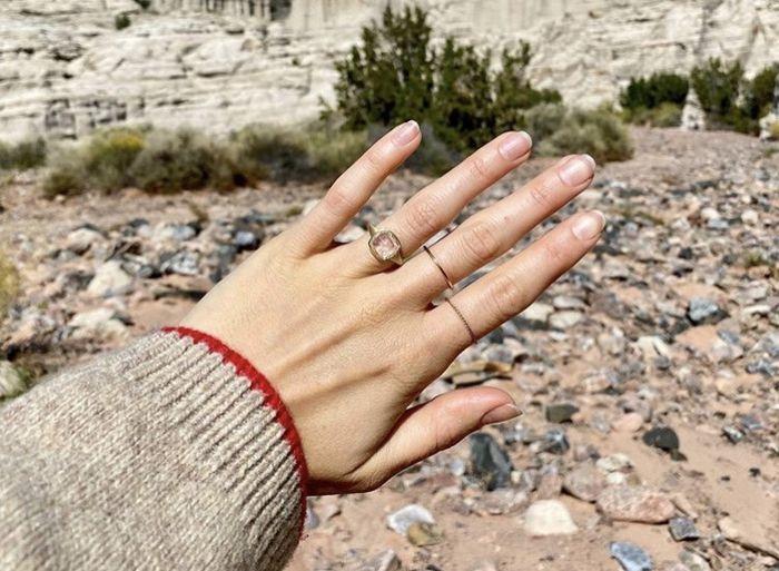 Lily Collins est fiancée ⭐ 4