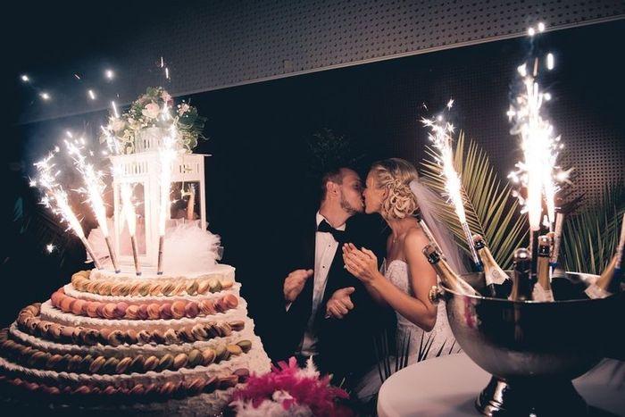 Qui découpera le gâteau de mariage ? 🍰 1