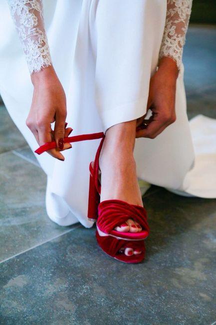 Qu'as-tu trouvé en premier ? Tes chaussures ou ta robe ? 1
