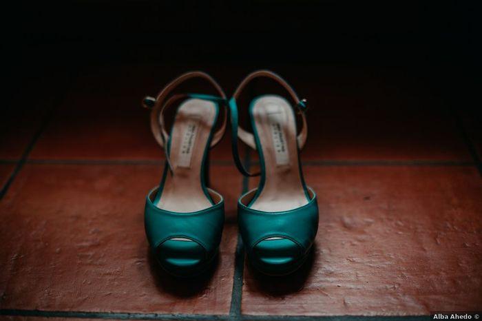 Laquelle de ces paires de chaussures ?⚡ 2