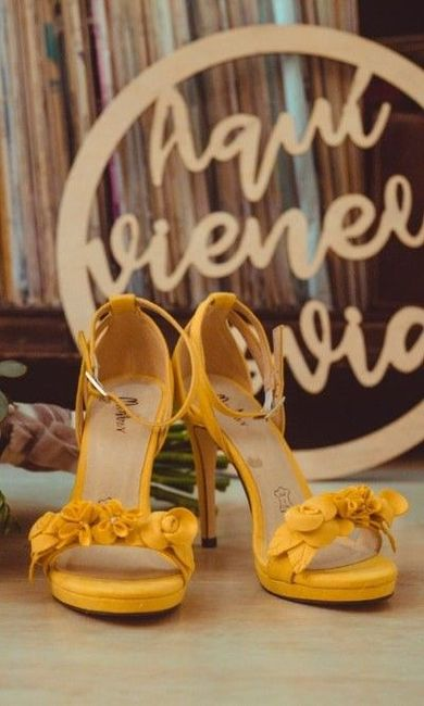 Laquelle de ces paires de chaussures ?⚡ 3