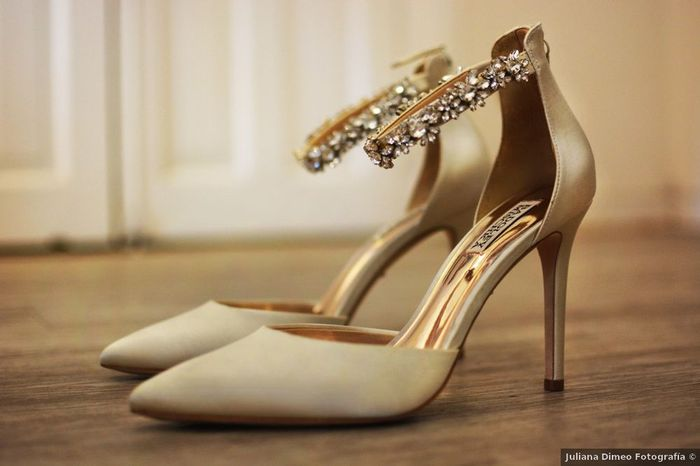 Laquelle de ces paires de chaussures ?⚡ 5