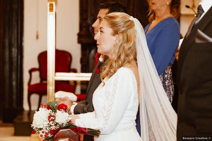 Les différentes coiffures possible avec le voile de mariée 👰 1