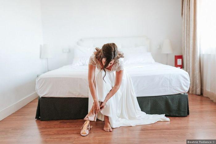 Qu'enlèveras-tu en premier de ton look de mariée ? 1