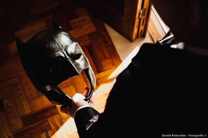 Et s'il portait le masque du batman pour te surprendre ? 😮 1